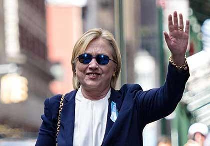 """Tổng thống Obama """"giải cứu"""" bà Hillary Clinton"""