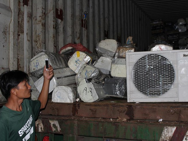Bắt giữ lượng lớn hàng điện lạnh không rõ nguồn gốc