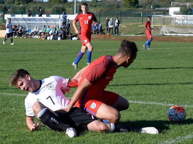 U-17 Anh thắng 'không tưởng' U-17 Đức 8-1
