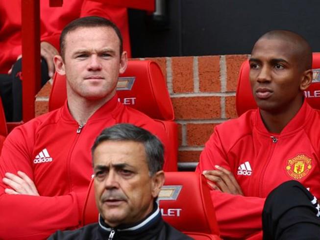MU tính chi 26 triệu bảng Anh để tống khứ Rooney