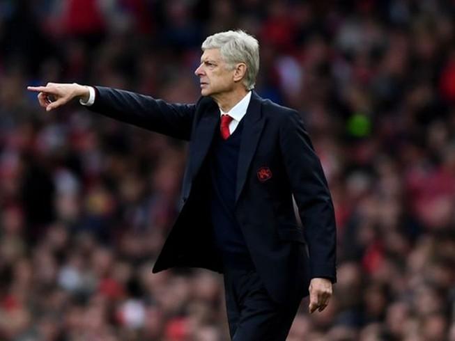 Vì Ozil, Wenger sẵn sàng phá mọi quy tắc ở Arsenal