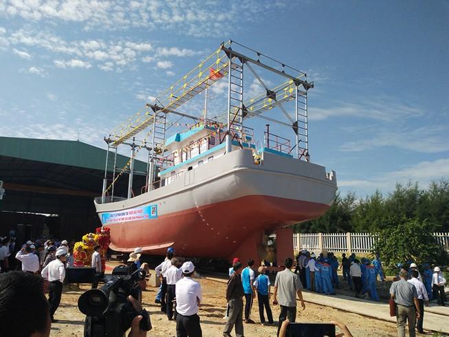 Quảng Nam: Hạ thủy tàu vỏ thép hơn 18 tỉ đồng