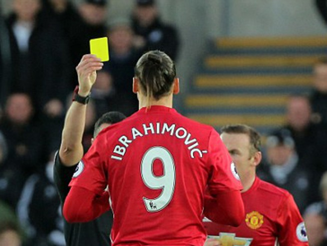 Ibrahimovic bất ngờ lên tiếng xin lỗi fan MU