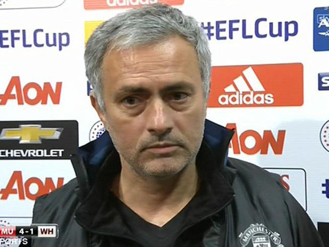"""Mourinho khen nức nở… """"người thừa"""" của MU"""