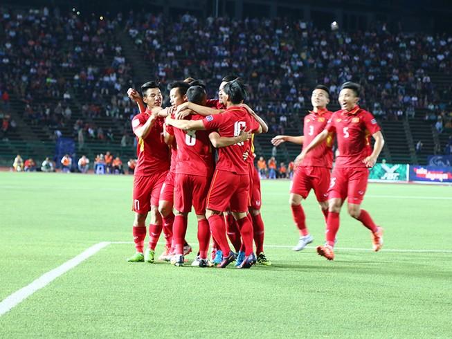 Khi bóng đá VN phải cần đến may mắn để thắng Campuchia