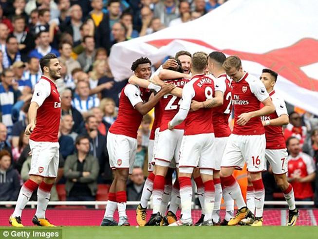 Thắng dễ Brighton, Arsenal trở lại cuộc đua vô địch