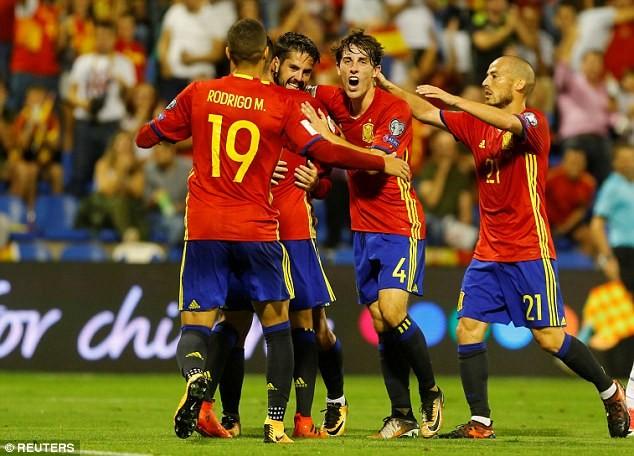 Ý dâng vé World Cup 2018 cho Tây Ban Nha