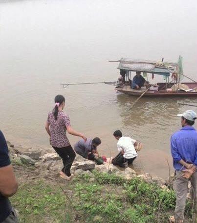 Phú Thọ: Một phụ nữ gieo mình xuống sông Hồng tự tử
