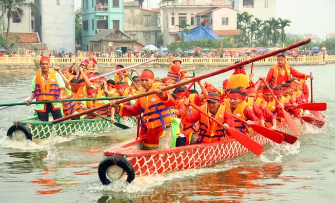 Gay cấn đua thuyền rồng giữa lòng thủ đô