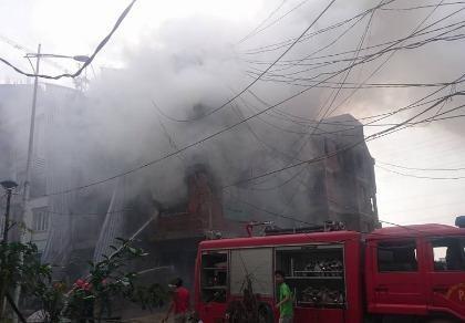 Cháy lớn tại khu đô thị Văn Khê