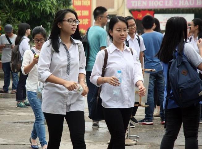 325 thí sinh bỏ thi môn ngữ văn và toán