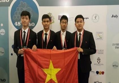 2 học sinh đoạt huy chương vàng Olympic Hóa học quốc tế
