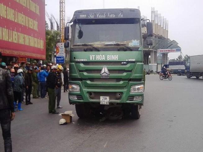 Va chạm với xe tải, người đàn ông tử vong tại chỗ