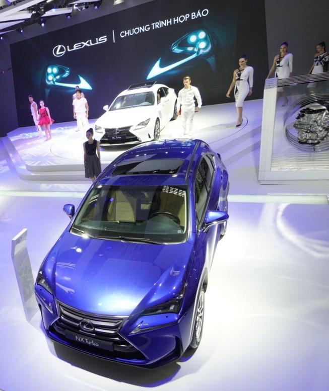 Bốn mẫu xe Lexus ấn tượng tại triển lãm ô tô 2016