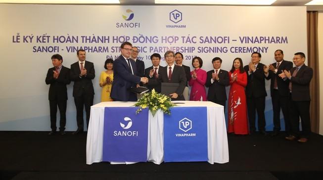 Sanofi Việt Nam và Vinapharm ký hợp tác chiến lược