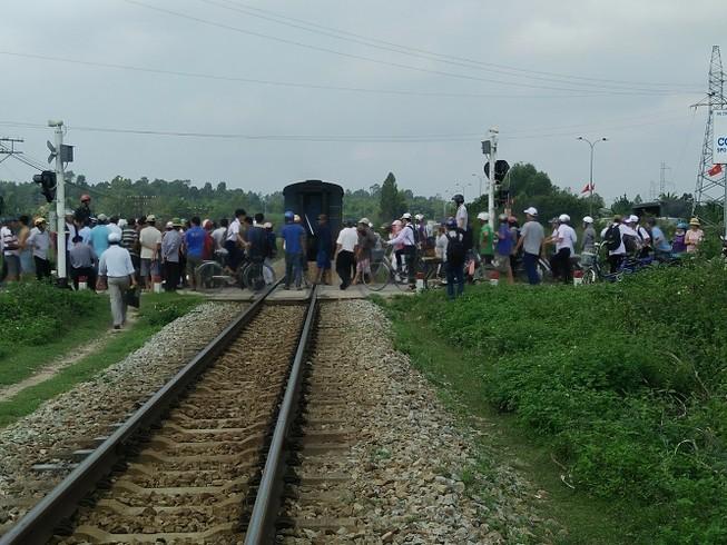 Tai nạn tàu hỏa liên tiếp, bốn người chết