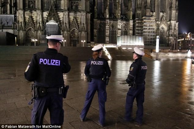 Người nhập cư không ngừng tấn công tình dục tại Đức