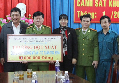 Khen thưởng đơn vị phá án nhanh vụ trộm tài sản người nước ngoài