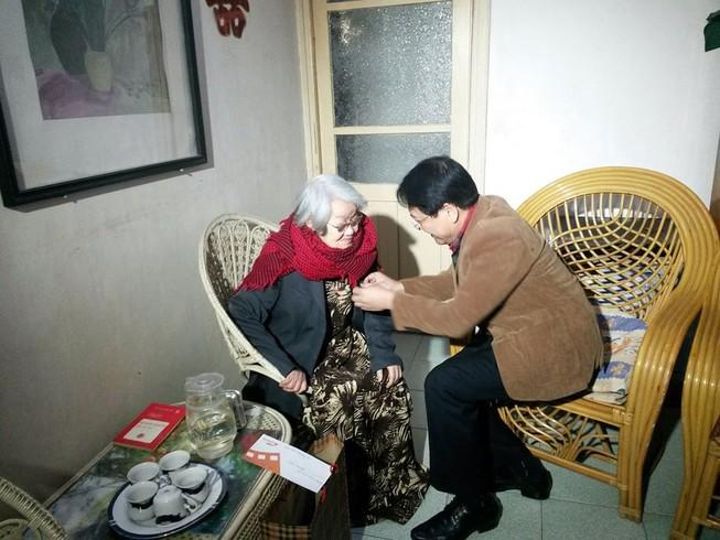 Trao danh hiệu NSND cho vợ của cố nhà văn Nguyễn Đình Thi