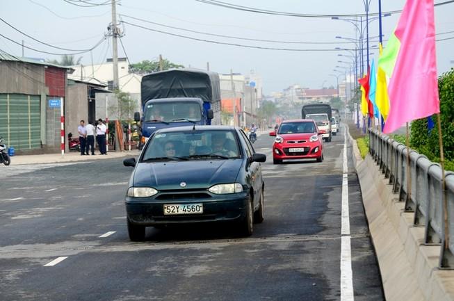 Thông xe đường Trần Văn Giàu-nối liền TP.HCM với Long An