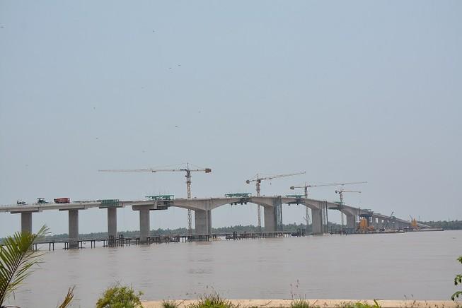 Hợp long cầu Cổ Chiên, nối đôi bờ Trà Vinh-Bến Tre