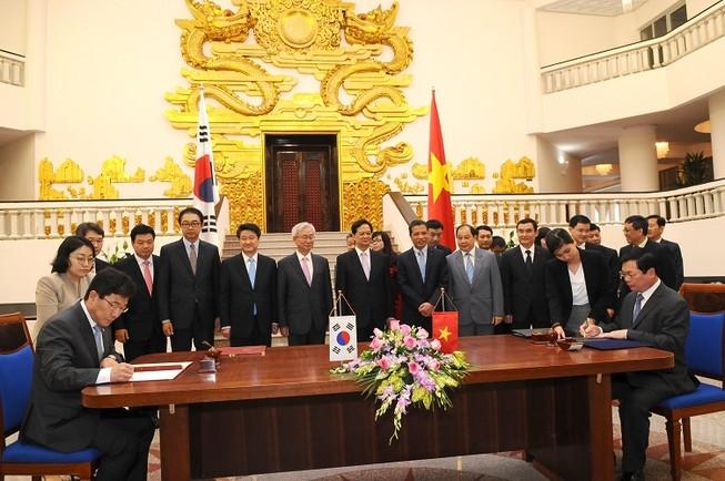 Chính thức kí Hiệp định thương mại tự do Việt Nam – Hàn Quốc
