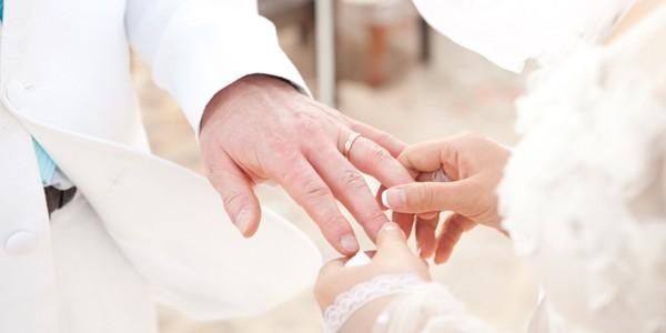 Kiểm tra bắt buộc trước khi cho tay vào nhẫn