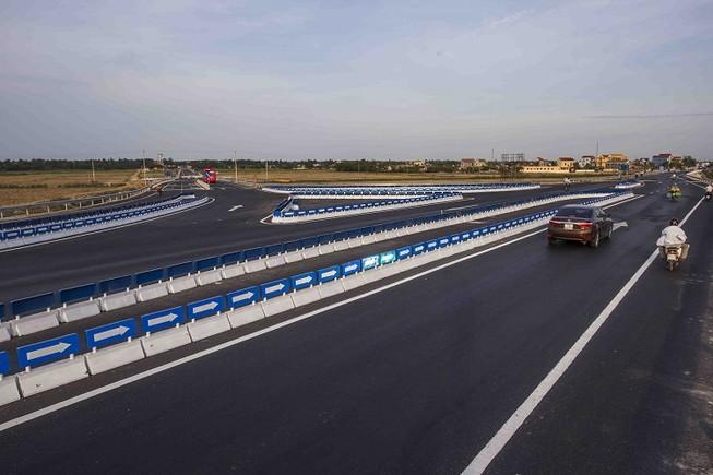 Nhiều dự án mở rộng quốc lộ 1A được đưa vào sử dụng