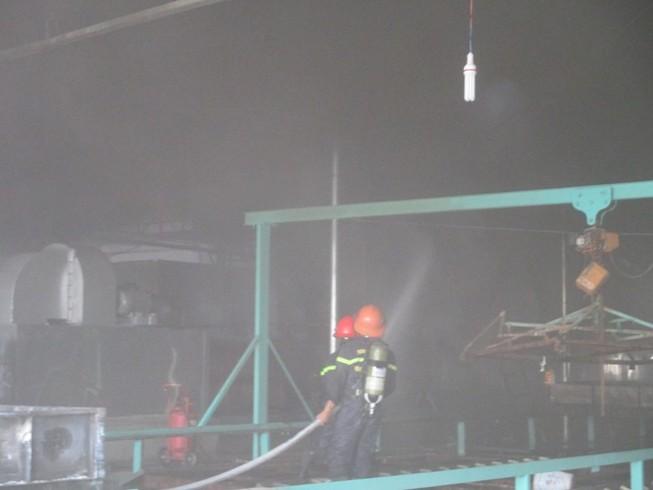 Cháy dữ dội ở nhà máy mủ cao su sấy khô