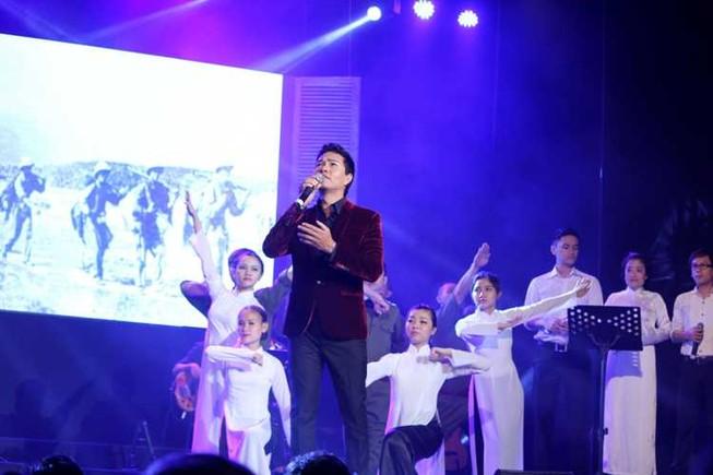 Xúc động đêm nhạc tưởng nhớ hai nhạc sĩ Phan Huỳnh Điểu và Phan Nhân
