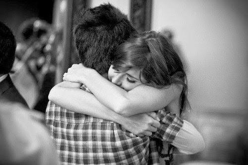 Hãy ôm nhau đi và mọi thứ sẽ ổn