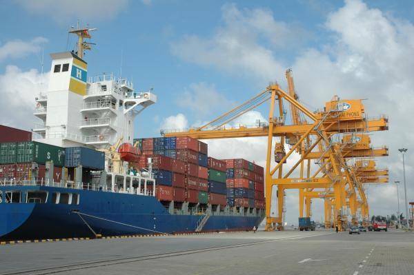 Hai người tử vong tại cảng Chùa Vẽ do đứt xích nắp tàu