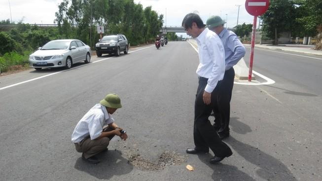 Công bố kết luận về hóa chất phá hoại quốc lộ 1A