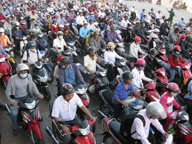 Chính thức kiến nghị dừng thu phí xe máy đầu năm 2016