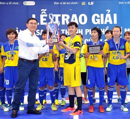 Quận 8 vô địch giải futsal nữ TP.HCM mở rộng 2015