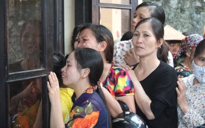 Xé lòng tiễn đưa 8 người chết trong một gia đình ở Quảng Ninh