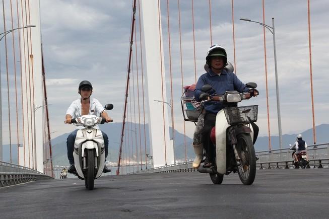 Siết tốc độ qua cầu Thuận Phước sau hai vụ tai nạn thảm khốc