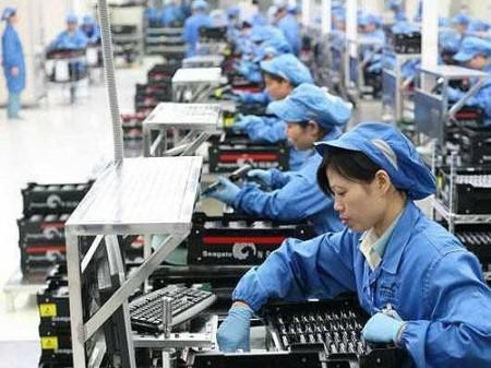 Máy tính, điện thoại hàng Việt được ưu tiên mua