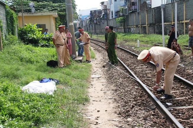 Đi trên đường sắt, người phụ nữ bị tàu hỏa cán tử vong