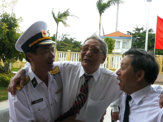 Cựu binh Trường Sa xúc động về thăm huyện đảo