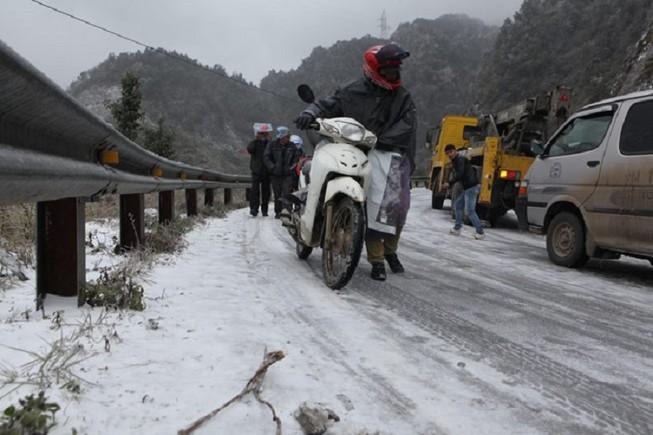 Địa phương bị băng tuyết phủ dày được quyền thực hiện cấm đường