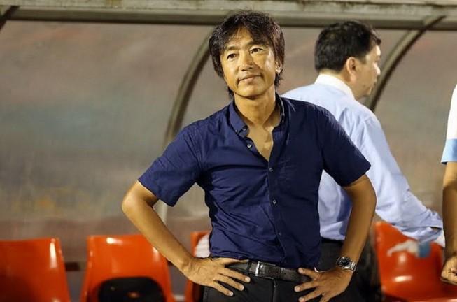 HLV Miura chính thức bị sa thải