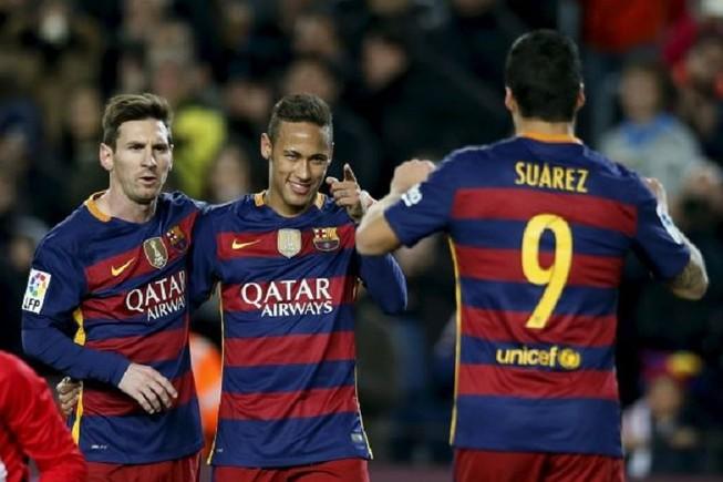 Barcelona hướng đến cú đúp hat trick