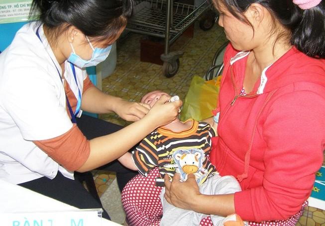 Gần 200.000 trẻ sẽ được uống vaccine bại liệt