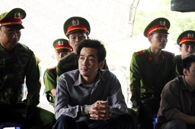 'Trùm giang hồ' giết hai người ở Phú Quốc cười trong phiên tòa