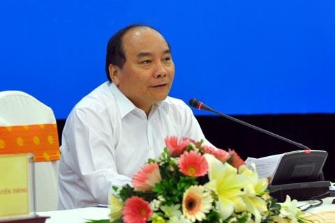 Phó Thủ tướng Nguyễn Xuân Phúc: Huy động tổng lực tham gia chống hạn