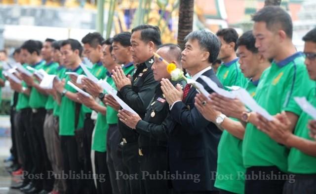 Trọng tài Thanom Barikut 'phản' lời thề trong sạch ở chùa Emerald?