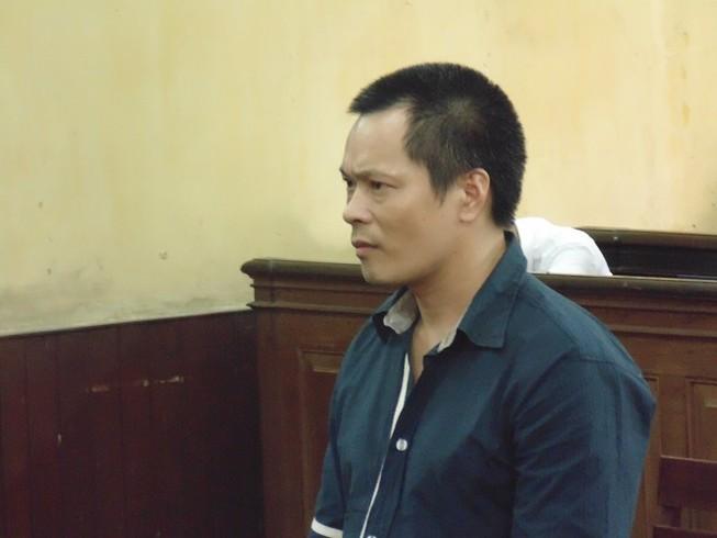 Một người Trung Quốc lãnh án vì mua bán vũ khí