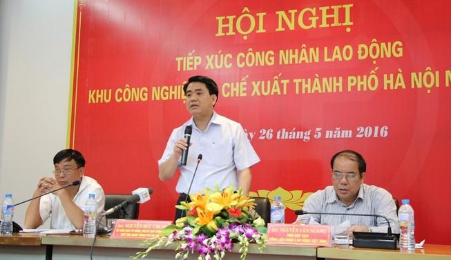 Chủ tịch TP Hà Nội công khai số điện thoại với công nhân