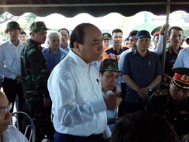 Thủ tướng Nguyễn Xuân Phúc vào Đà Nẵng chỉ đạo xử lý vụ chìm tàu